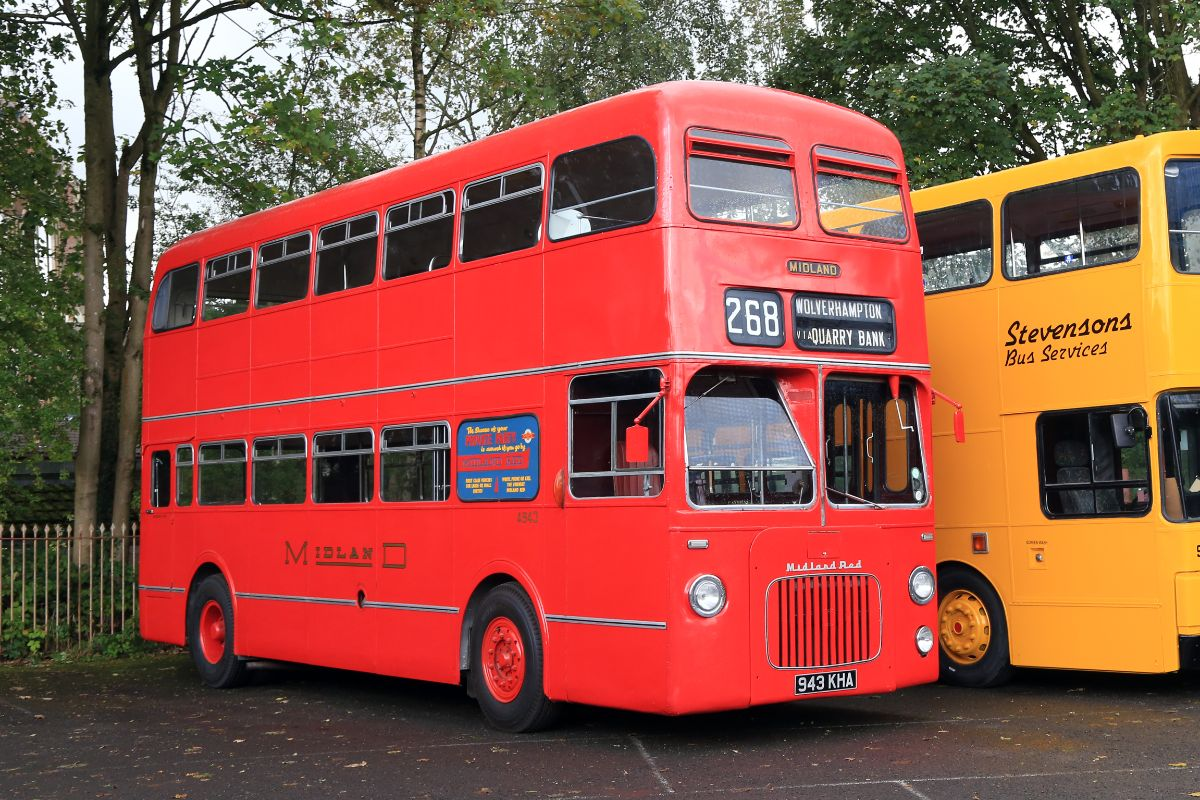 Midland Red built two of these D10 front-entrance underfloor-engined double deckers in 1961, one of which originally had both front and rear entrances and staircases. This is the only survivor